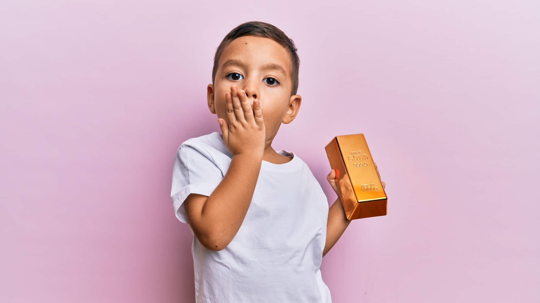 Northern Star share price child holding gold bar looking concerned